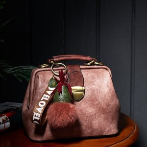 2017秋冬新款女士包袋单肩包单肩斜挎包时尚百搭手提包软面医生包PD04